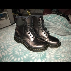 SILVER Dr. Martens Pascal Boots